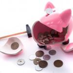 【シェアハウスのお金事情】貯金なしでも入居できる?お金は貯まるの?